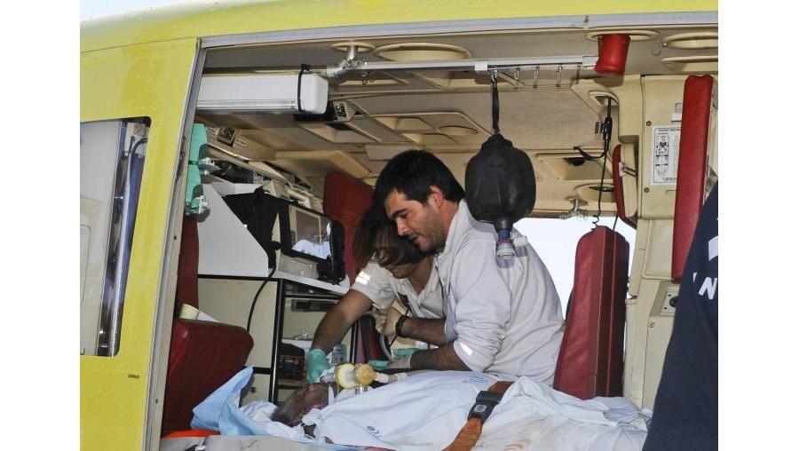 Homem foi transportado de helicóptero para o Hospital de S. João, no Porto