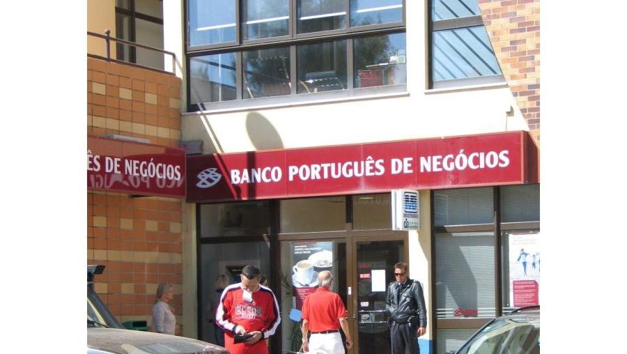 Dependência do BPN foi assaltada às 08h45 e esteve fechada durante toda a manhã, para perícias pela PJ