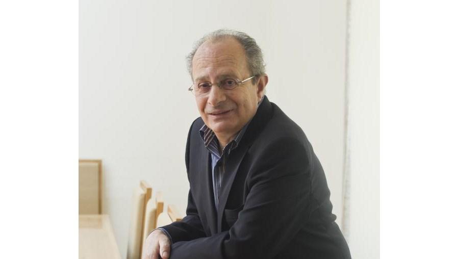 Villaverde Cabral defende que tem faltado a Pedro Passos Coelho uma narrativa sólida e critica duramente a escolha de Fernando Nobre