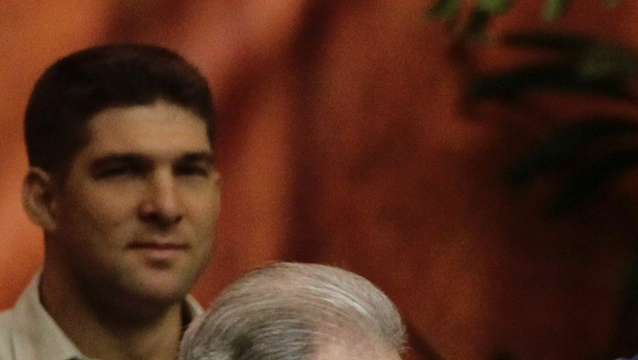 Fidel passou liderança do Partido Comunista ao irmão, Raúl
