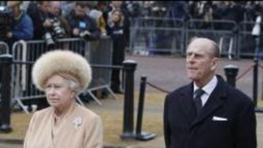 Foi a primeira vez que os avós do príncipe William se encontraram com Carole e Michael Middleton