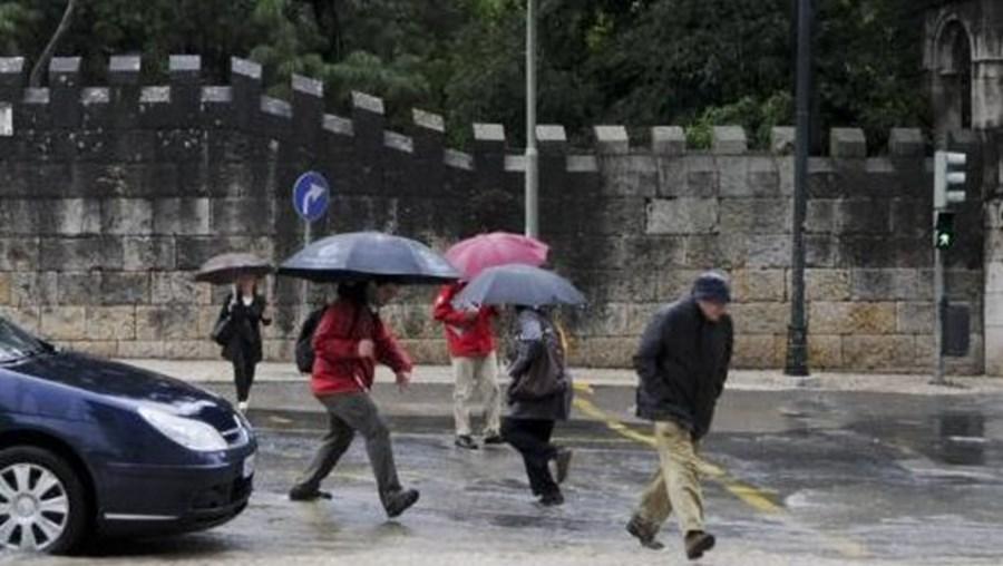 Instituto de Meteorologia põe doze distritos em alerta amarelo