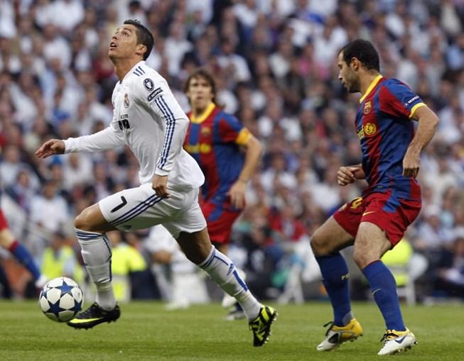 Avançado português enfrentou uma defesa do Barcelona com muitos remendos, com o médio Mascherano a desempenhar funções mais defensivas