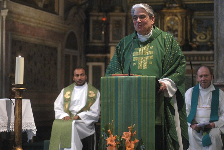 O padre Feytor Pinto ajudou o Papa a falar português em 1982