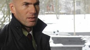 Zidane sai em defesa de Laurent Blanc na questão do racismo