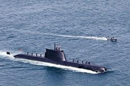 O submarino não podia faltar à festa da Marinha.