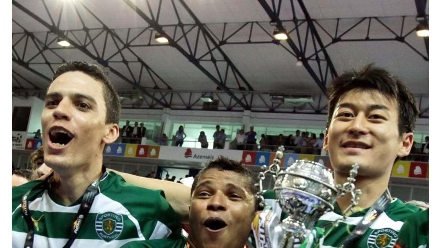Jogadores do Sporting festejaram em Oliveira de Azeméis