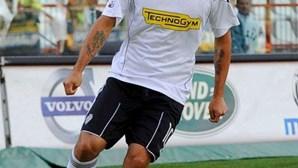 Sporting segue Luis Jiménez