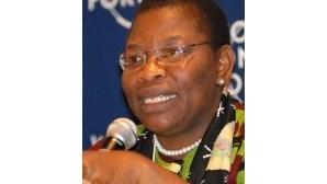 """Obiageli Ezekwesili: Pobreza e excesso de população em Luanda são """"bomba-relógio"""""""