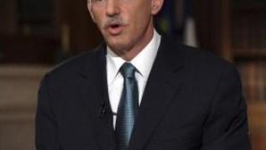 """Primeiro-ministro grego pede """"acordo nacional"""""""