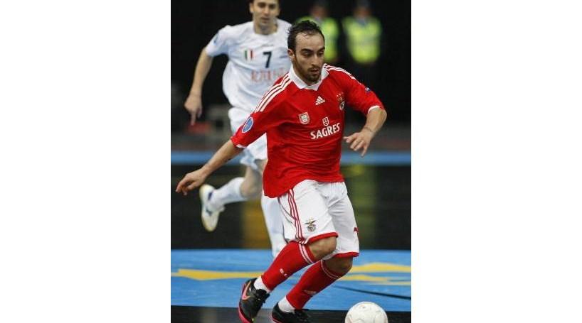 Ricardinho considerado melhor jogador de futsal do Mundo - Desporto ... 7722c60eeb8d2