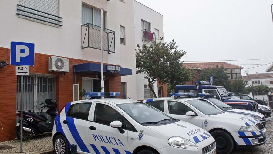 Polícia admite ter poucos carros