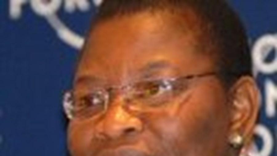 Obiageli Ezekwesili aconselhou o governo angolano a incluir  os cidadãos na discussão sobre o futuro do país