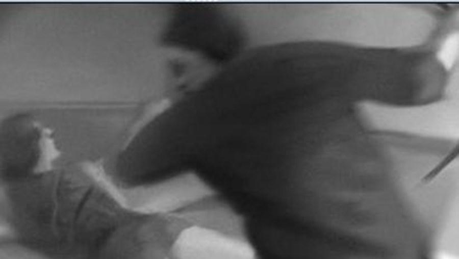 A mulher foi mantida presa em casa