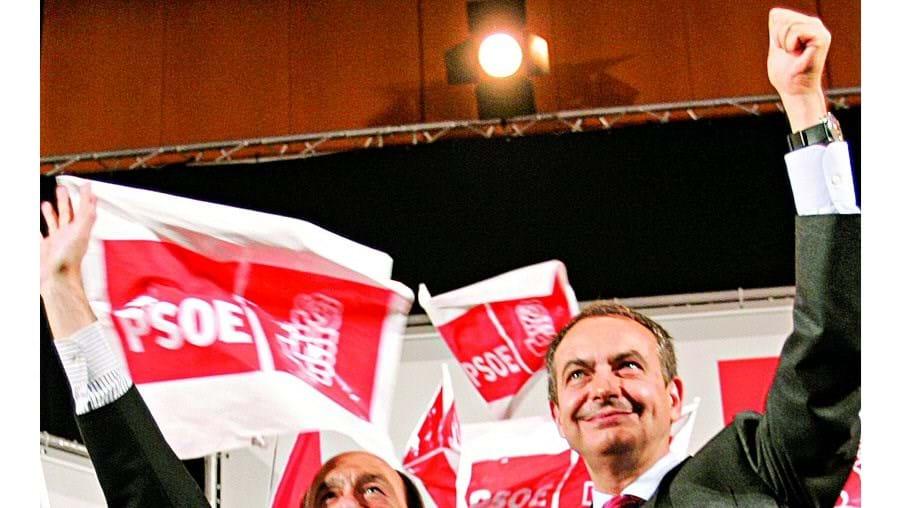 Zapatero e Rubalcaba estarão já a equacionar a antecipação das legislativas para Novembro