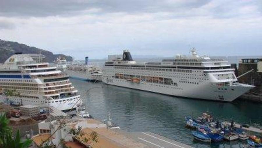 O porto do Funchal recebeu mais 35.997 turistas do que no ano passado