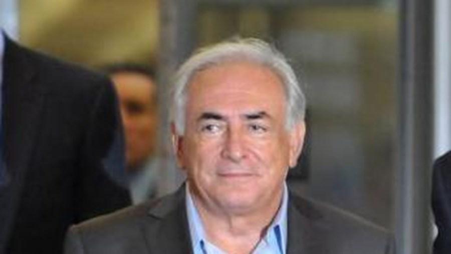 """Advogados de Dominique Strauss-Kahn, acusados de tudo fazer para """"desacreditar o testemunho da denunciante"""", divulgaram uma nota em que negam esta intenção"""