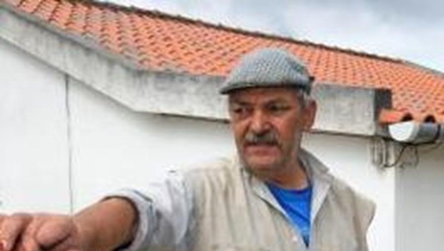 Sem outra casa para viver, Florentino Duarte sabe que tem até ao próximo domingo, 19 de Junho, para proceder à demolição, de acordo com o prazo fixado pelo Tribunal de Setúbal