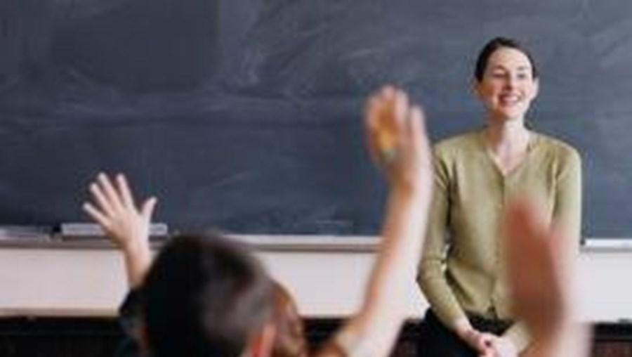 Muitos pais procuram vagas no ensino público para os filhos