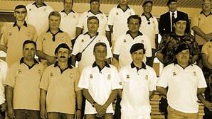 Fuzileiros da Escola 1980 confraternizam