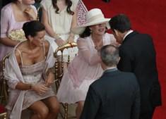 As irmãs de Alberto, Stephanie e Carolina, assistiram à cerimónia na primeira fila.