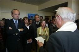 Foi subsecretária de Estado da Cultura em 1992, no último governo de Cavaco Silva, mas abandonou funções ao chocar com o secretário de Estado Pedro Santana Lopes