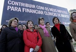 Campanha pelo 'não' no referendo à nova lei da interrupção voluntária da gravidez foi abraçada por Nogueira Pinto