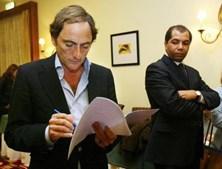 Afastou-se definitivamente do CDS em 2007, acusando o deputado Hélder Amaral de a ter agredido