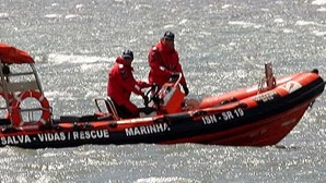 Salva-vidas de Olhão abalroa pequeno barco