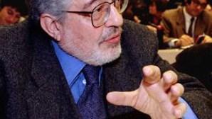 Ettore Scola abandona o cinema