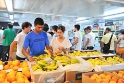 Zona de campismo passou a incluir supermercado que, apesar de ter produtos mais caros, tem sempre muita procura