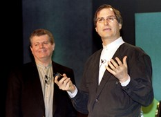 Estava escrito que o californiano voltaria a casa. A Apple comprou a companhia de software NeXT em 1997 e Jobs reintegrou os quadros da empresa