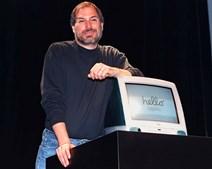 Mas a verdadeira revolução em 1998 foi o iMac, um computador pessoal mais barato e com modem incorporado, que foi a melhor resposta à era da Internet