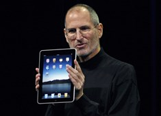 Nova revolução em 2010: o tablet iPad, destinado sobretudo ao consumo de Internet, nasceu para ser o primeiro concorrente do papel