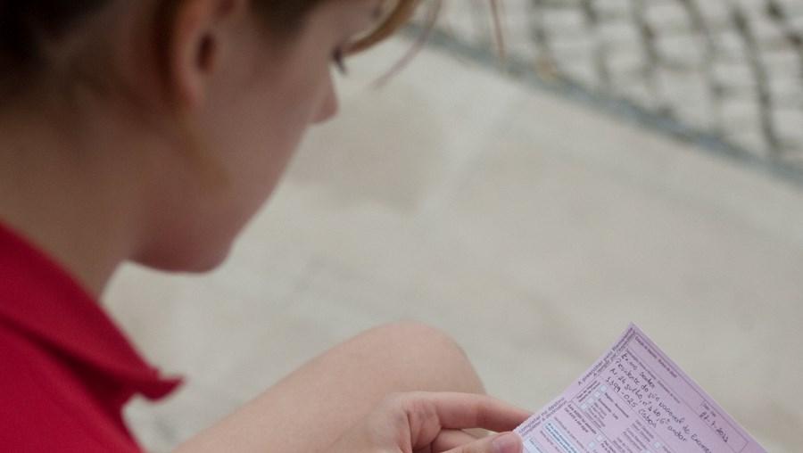 Sandra Rito, de 20 anos, teme que a sua candidatura ao Ensino Superior fique comprometida