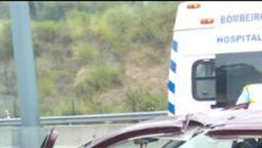 acidente, lisboa, morto, feridos, entrecampos, PSP, bombeiros