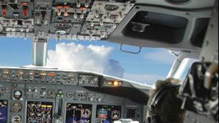Portugueses desesperam por avião