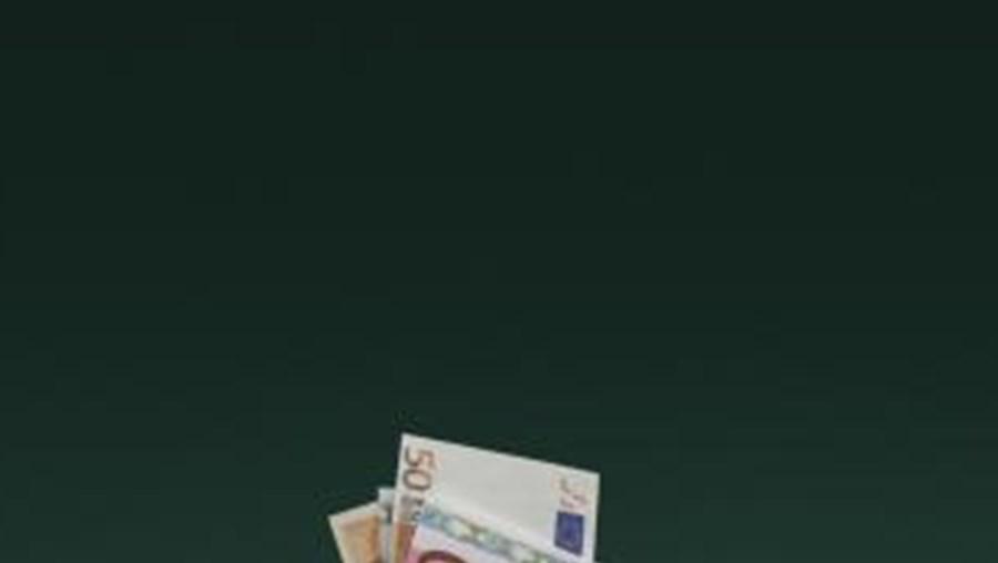 Milionários franceses querem imposto especial para ajudar a economia do país