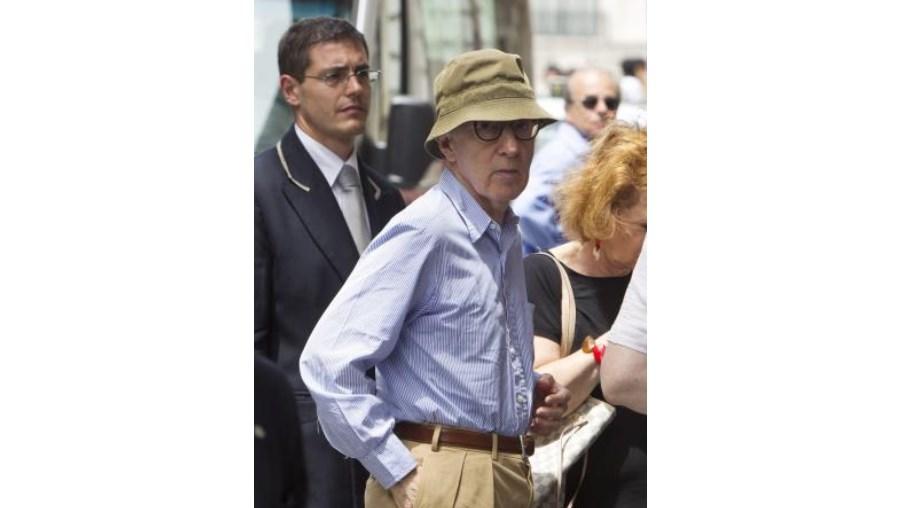 Realizador de 'Annie Hall' está já em negociações com o estúdio Bavaria para arrancar com uma nova rodagem em Julho de 2012