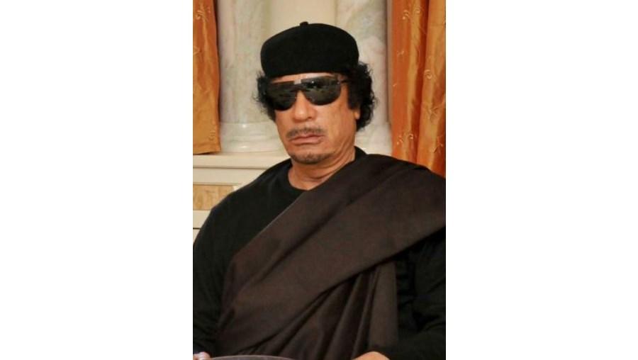 Rebeldes líbios ganharam controlo sobre uma das entradas do complexo residencial de Muammar Kadhafi em Tripoli