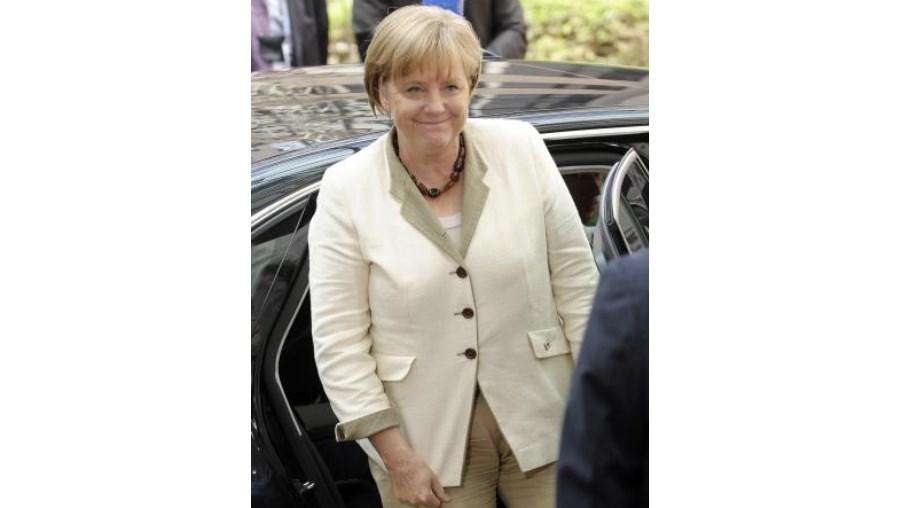 Tanto Angela Merkel como o líder do grupo parlamentar conservador, Volker Kauder, expressaram a sua oposição à proposta