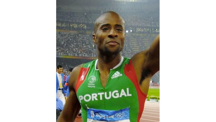Nélson Évora, campeão olímpico do triplo salto em Pequim 2008, surge em Daegu motivado