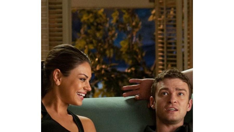 Mila Kunis e Justin Timberlake tentam amizade colorida mas ficam – claro! – apaixonados