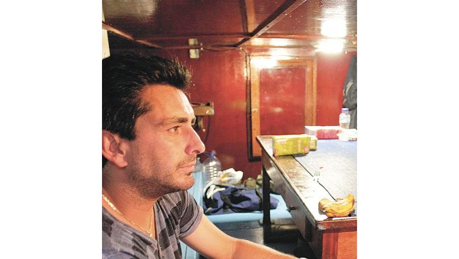 """Octávio Castro, do barco 'Iolanda', investiu 10 mil euros em artes novas. """"Correu supermal"""", disse"""