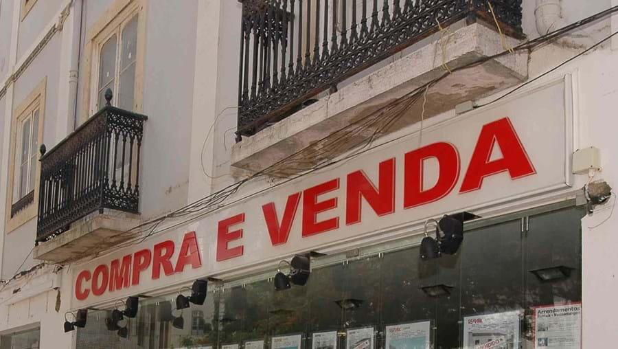 A avaliação que os bancos fazem aos imóveis caiu 4,1% no País em relação ao valor de Julho de 2010