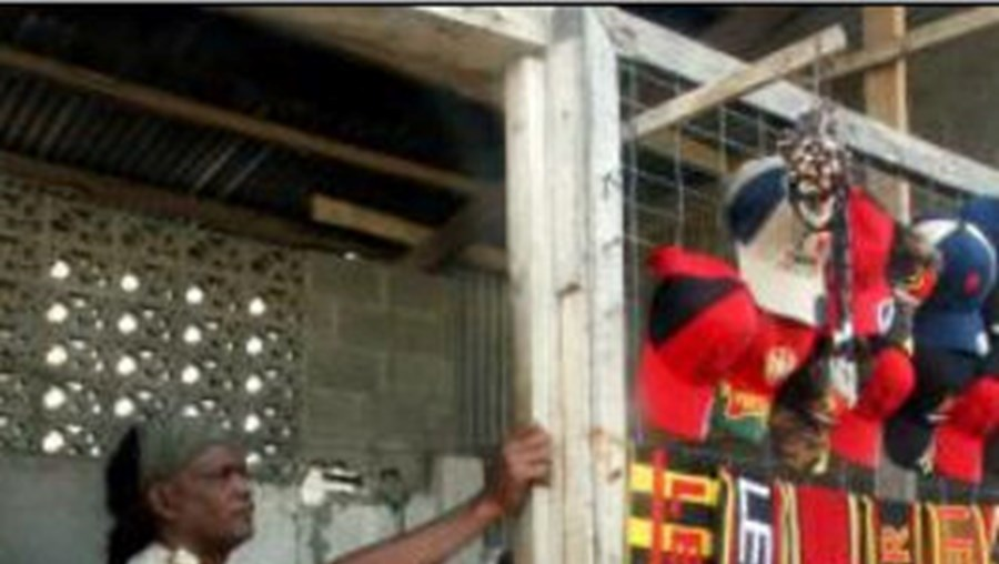 Os habitante de Dili saíram para a rua após o abalo