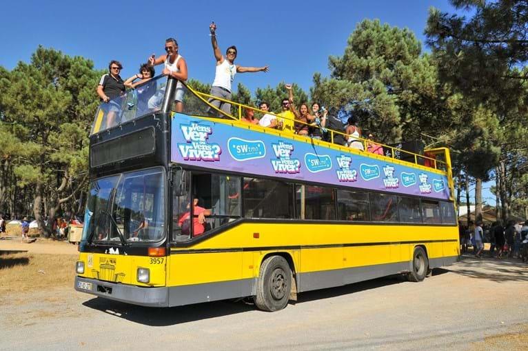 Autocarros vão até à praia