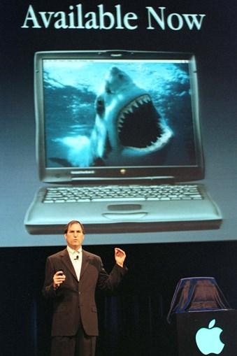 Uma das armas para reconquistar terreno nos computadores pessoais foi o Powerbook G3, com sistema operativo Mac OSX, que o responsável da Apple garantiu ser melhor do que os Pentium