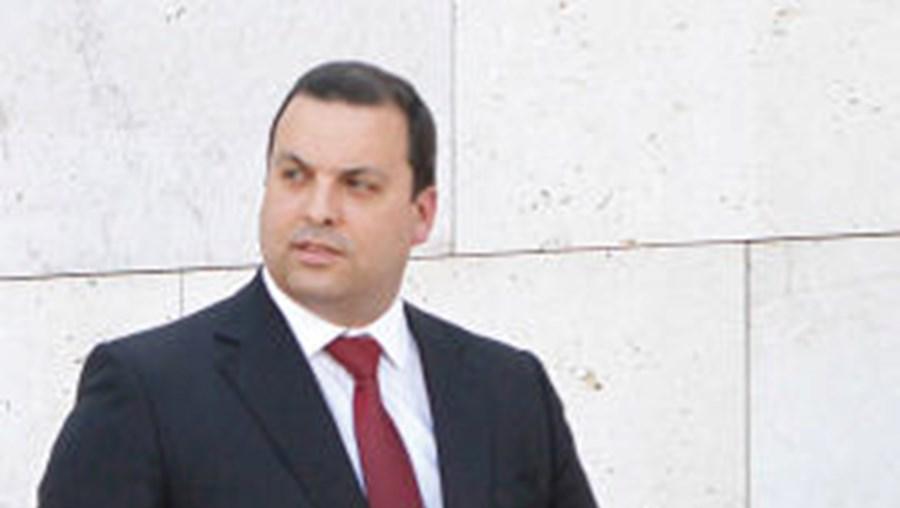 Jorge Silva Carvalho (à dir.) vai explicar no Parlamento fugas de informação para a Ongoing