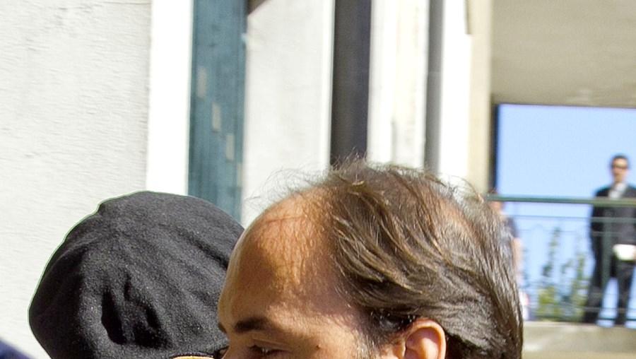 Paulo Martins a entrar, ontem de manhã, no Tribunal de Oliveira de Azeméis